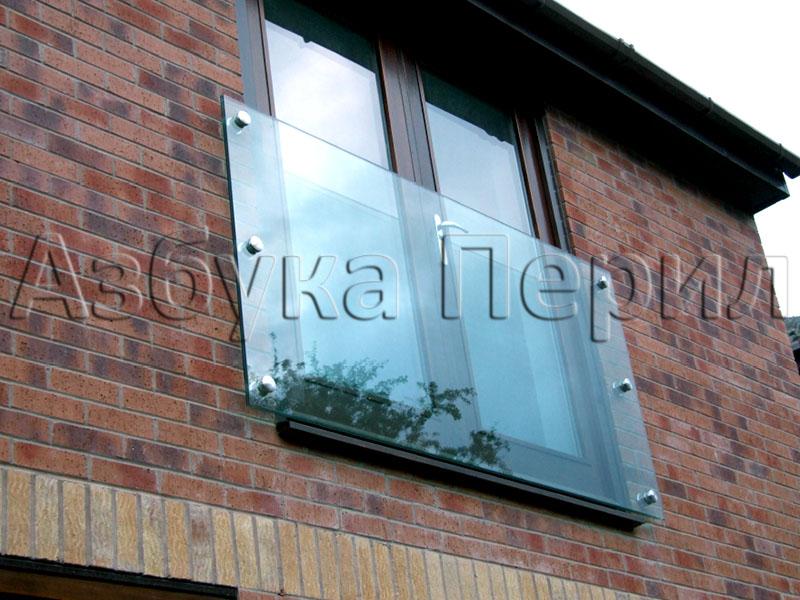 Стеклянный экран для окна